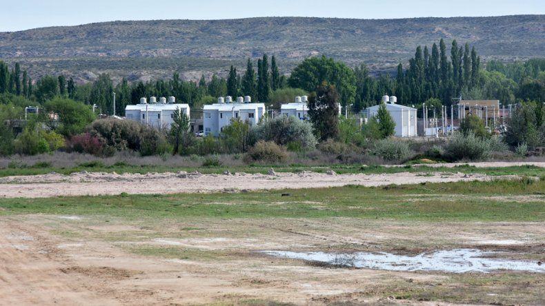 La mayor dificultad que afronta Neuquén es la falta de terrenos con servicios para edificar planes habitacionales.