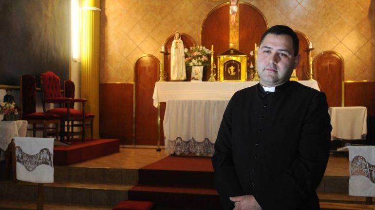 El padre Cristian quiso perdonarlos y se sorprendió con la respuesta.