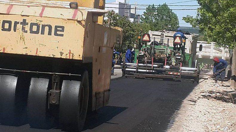 Días atrás concluyó la pavimentación de calle Hualcupén.