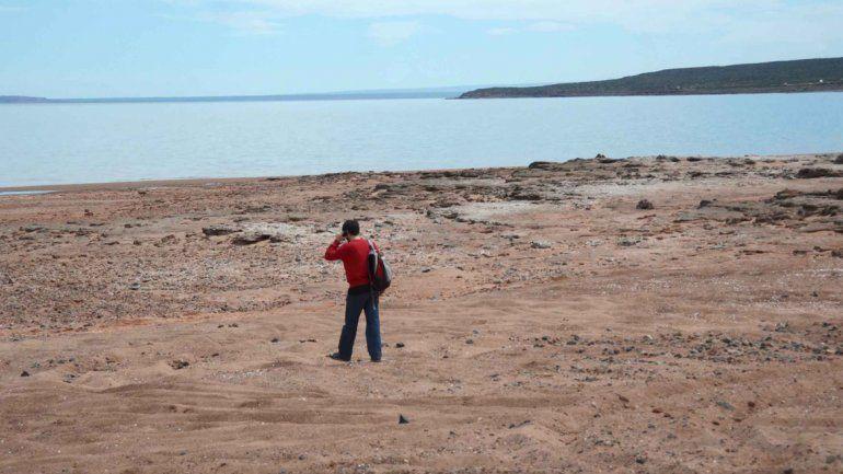 El lago Los Barreales tiene una gran extensión y numerosos accesos.
