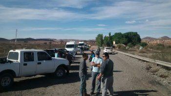 Trabajadores de OPS, ayer, en uno de los piquetes en Rincón de los Sauces.