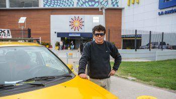 El taxista Alejandro Sotomayor relató el asalto a LM Neuquén.