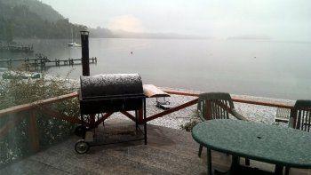 villa la angostura amanecio con una intensa nevada