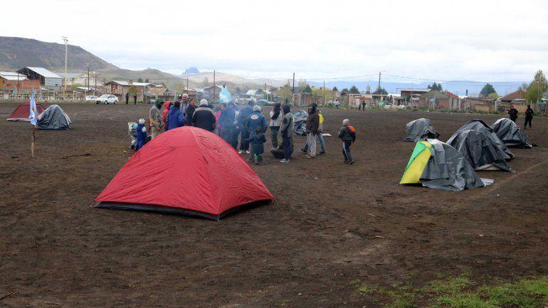 El intendente de Junín prometió una reunión y logró que los ocupantes desactiven la toma