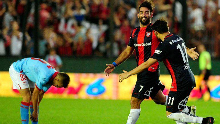 Con un triplete de Cauteruccio, San Lorenzo venció a Arsenal