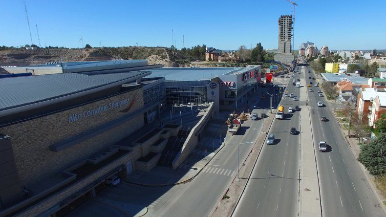 El shopping y el supermercado del lado de Doctor Ramón