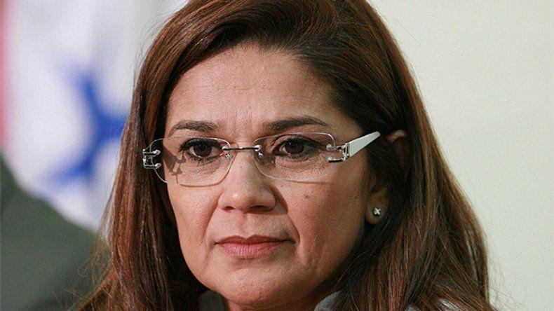 Clarice de Andrade mandó a la joven a la misma celda con 30 hombres.