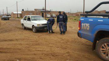 La Policía secuestró el Fiat Duna del presunto ladrón que fue dañado.