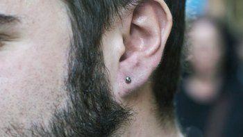 murio por una infeccion tras hacerse un piercing