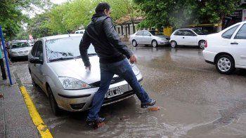 las lluvias fuertes seguiran durante gran parte del dia