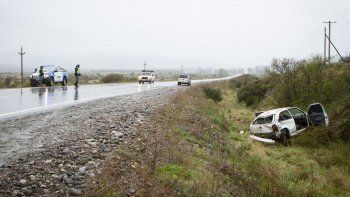 dos heridos al despistarse un auto sobre la ruta 40