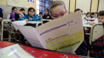 La prueba se hizo para medir los conocimientos de Matemática, Lengua y Sociales de alumnos primarios y secundarios.