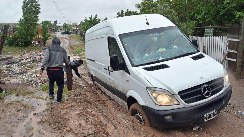 La salida del zanjón en Almafuerte II fue una trampa para este auto.