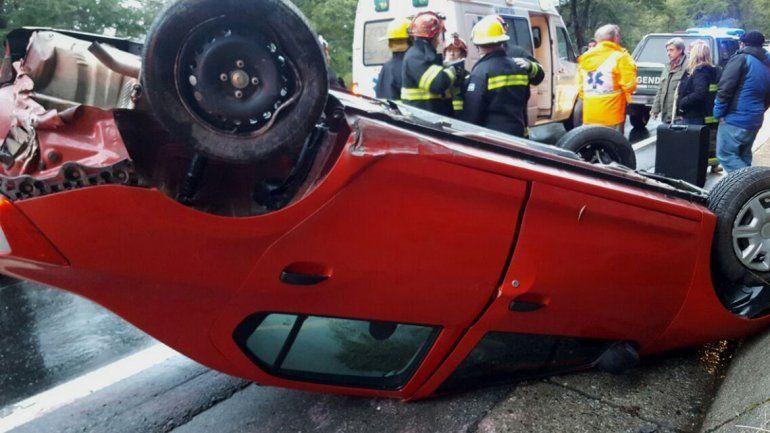 Mordió la banquina y volcó sobre la Ruta 231: no hubo heridos