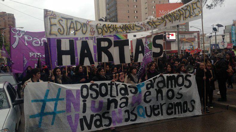 #NiUnaMenos: Neuquén marcha contra los femicidios en un miércoles negro