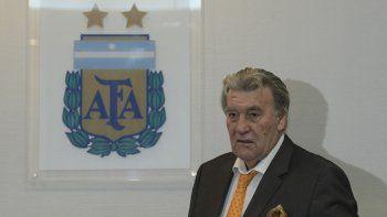 El titular de la Comisión Normalizadora dijo que cambiarán los estatutos para convocar a elecciones en AFA.