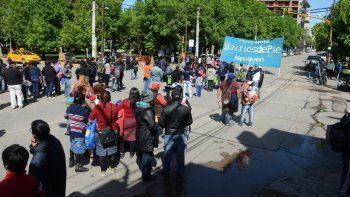 Los manifestantes, ayer durante la concentración.