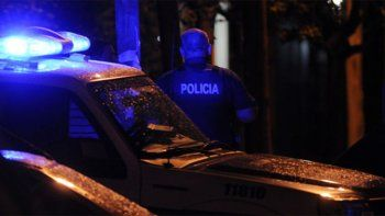 un policia de la bonaerense mato a balazos a dos de la federal