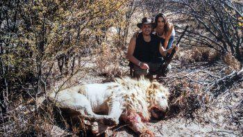 polemica por las fotos de victoria vanucci y matias garkunkel en un viaje de caceria por africa