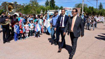 Omar Gutiérrez encabezó el nuevo aniversario de la localidad con el intendente.