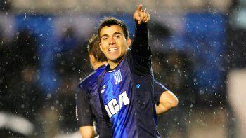 Los goles de Acuña en Racing llamaron la atención del Bauza.