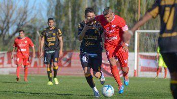 El último enfrentamiento entre ambos fue con victoria para los chubutenses por 2 a 1, en la tercera fecha.