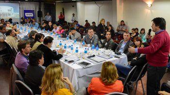 Un nutrido encuentro de autoridades y vecinos en La Bancaria.