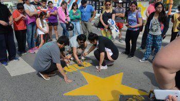 pintaron una estrella amarilla en memoria de nicolas sanchez