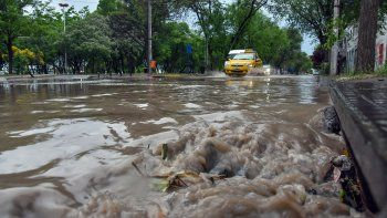sin clases en muchas escuelas y colegios de la region por el fuerte temporal de lluvia