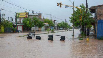 el temporal de lluvias provoco grandes danos en los distintos barrios neuquinos