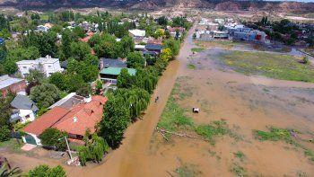 Una postal de un sector del barrio Rincón de Emilio desde el aire. El agua arrasó con todo a su paso.