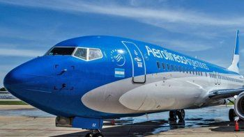 Los gremios acusan a Aerolíneas Argentinas de retirar la oferta salarial.