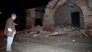 dos fuertes sismos se sintieron en la region del centro de italia