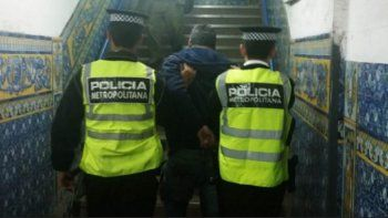 El agresor fue detenido por la policía y procesado por la Justicia.