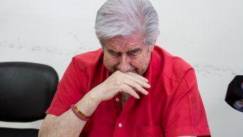 Juan Carlos Aguirre tras ser absuelto por el crimen de la bioquímica.