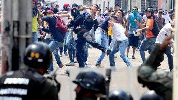 El miércoles hubo duros enfrentamientos. ¿Qué pasará hoy en Venezuela?