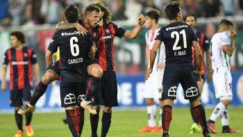 San Lorenzo festejó el pase a la Sudamericana frente a su hinchada.