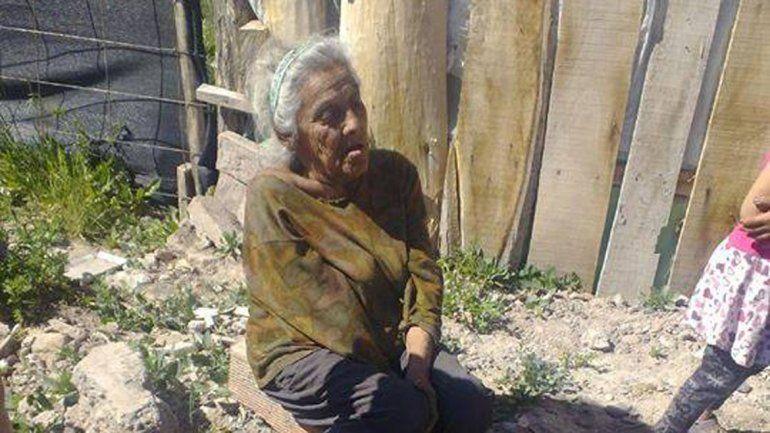 La abuelita Miriam Gallardo vive en la toma 10 de Febrero