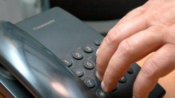 El teléfono fijo es el gancho.