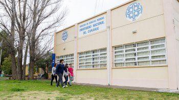 escuelas y universidades sin clases en cipolletti