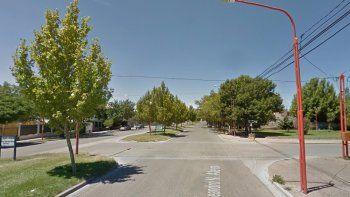 Un joven motociclista chocó contra un árbol y murió