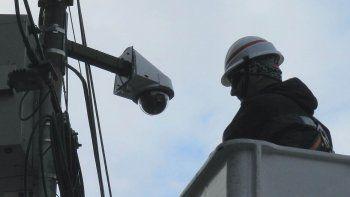 La empresa estatal Altec instalará las cámaras, pero aún no se definieron los lugares. Será en rutas de escape y zonas conflictivas de los barrios.
