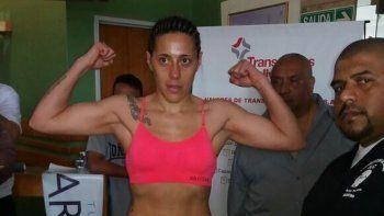 Betiana Viñas en la balanza registró 57,700 kilogramos.