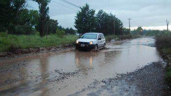 clases suspendidas y mas de 80 familias evacuadas en cipolletti