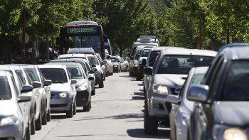 Ayer colapsó la calle Pacheco y hubo colas de 15 kilómetros en la Ruta 151.
