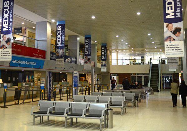 Mañana volvería a funcionar el aeropuerto de Neuquén