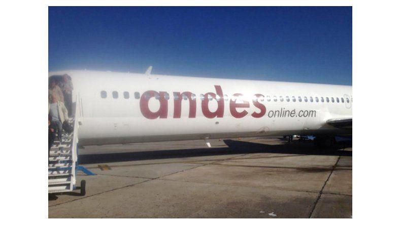 Indignación por el estado de un avión que vino a Neuquén