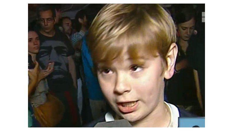 Furor por un niño que adora a Kirchner y quiere ser presidente