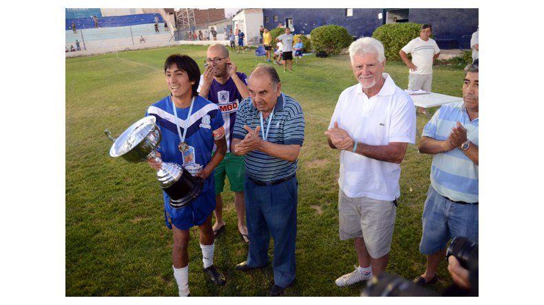 Rincón, el campeón  que superó la adversidad