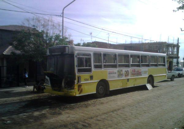 Pánico en Neuquén al incediarse un colectivo